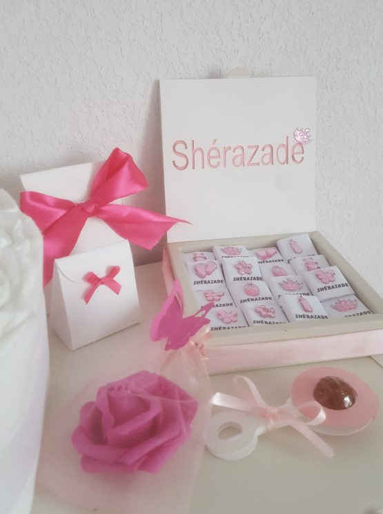 Box de 48 Chocolats personnalisable rose